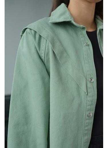 Levure Ön Ve Kol Detaylı Kot Ceket Yeşil